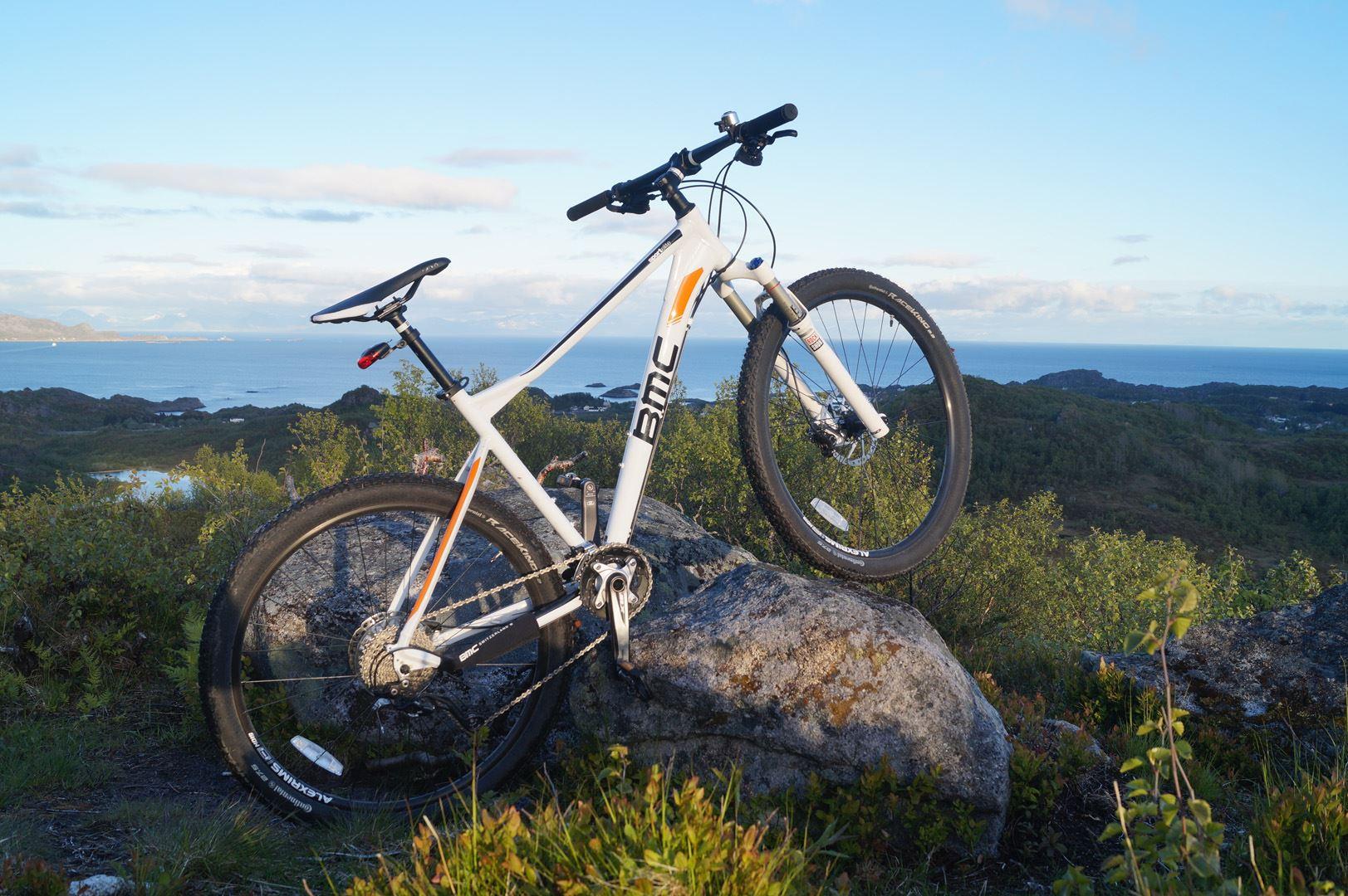 Fly and bike - Svolvær - XXLofoten