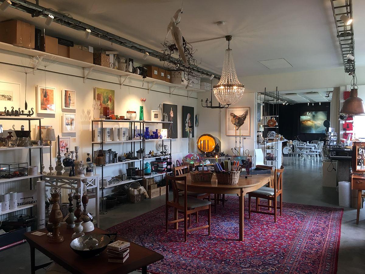 Karibakka shop and art café