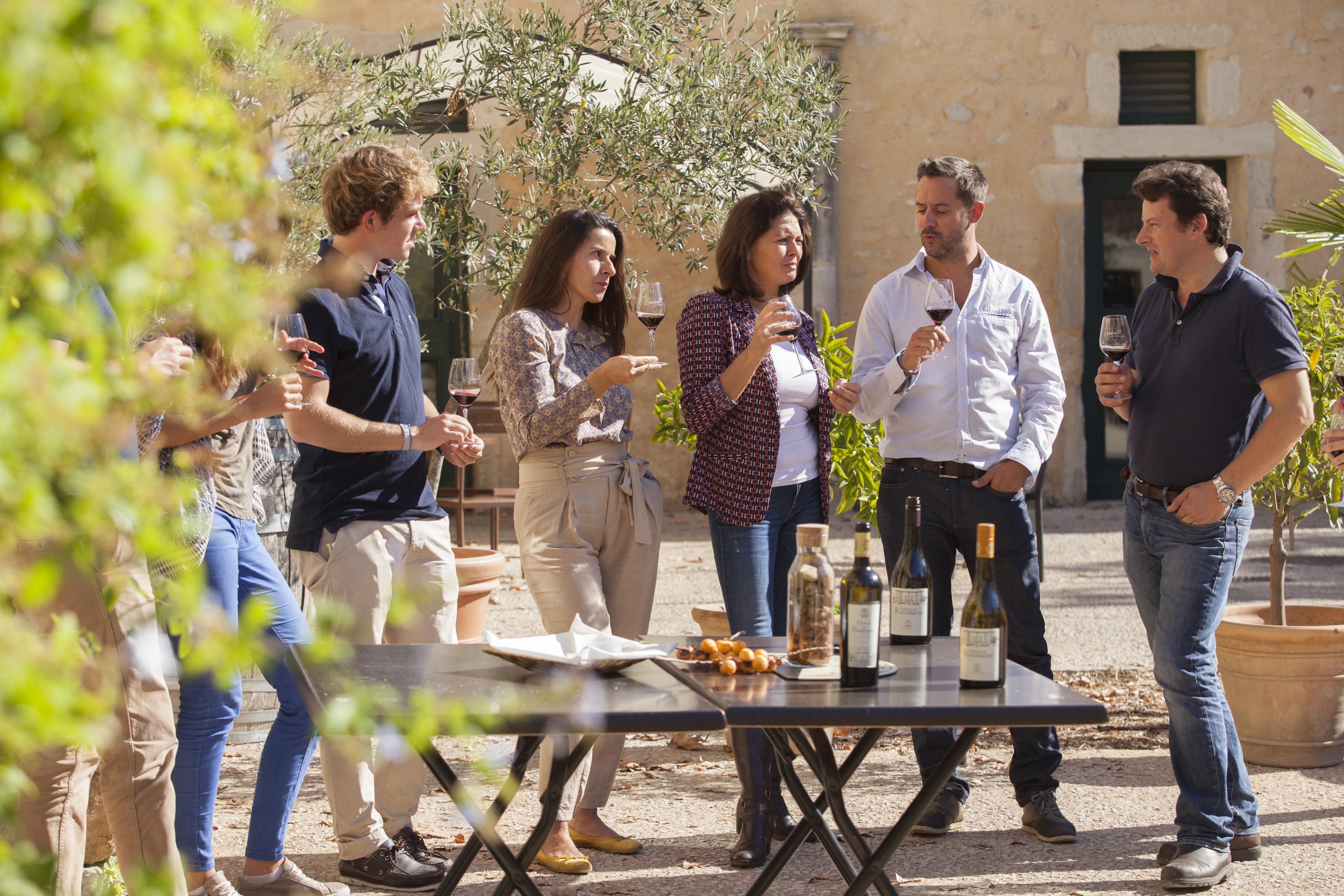 Wine cellar and free tours of the gardens of Flaugergues' castle