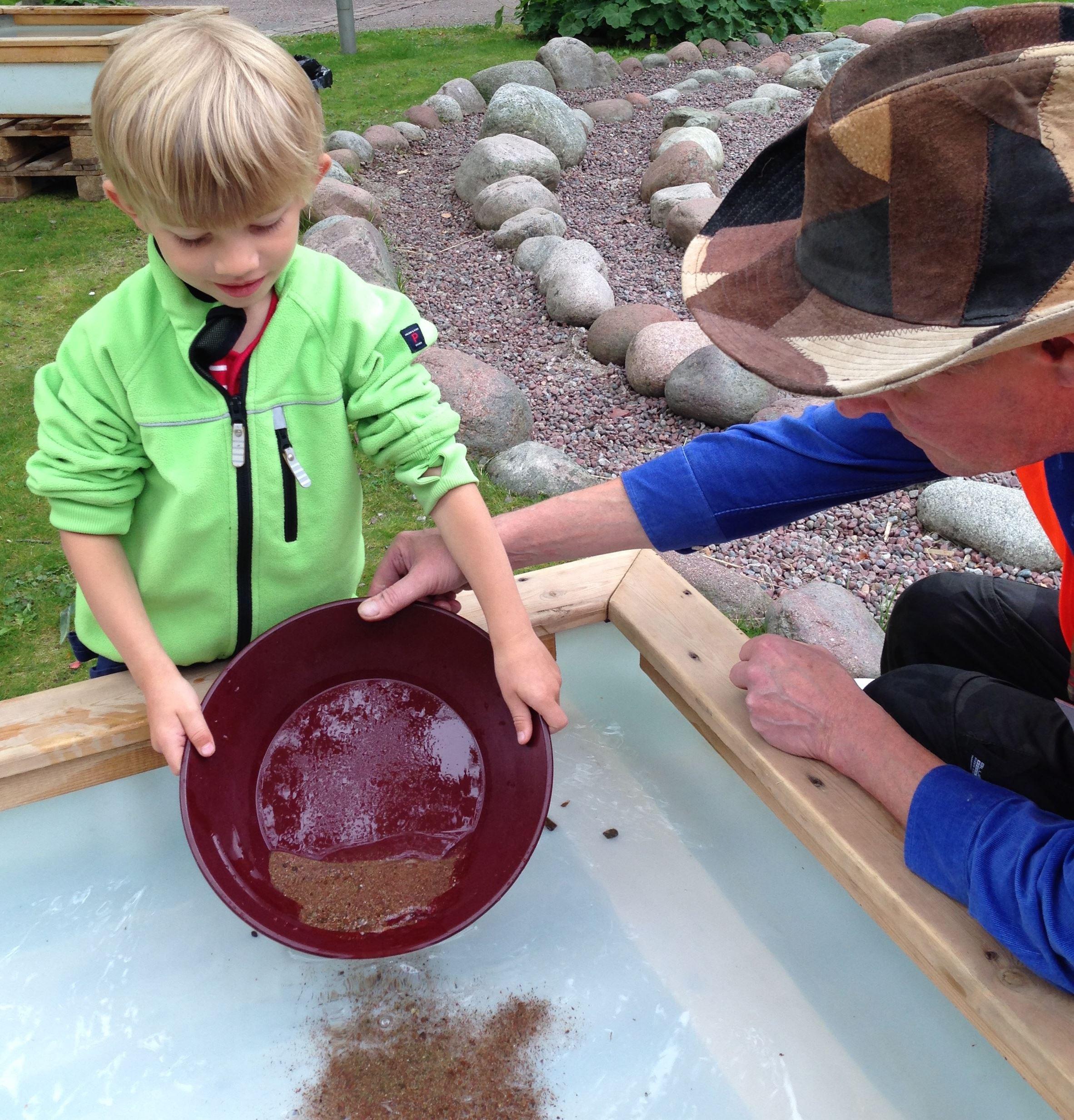 Guldvaskning och stenslipning
