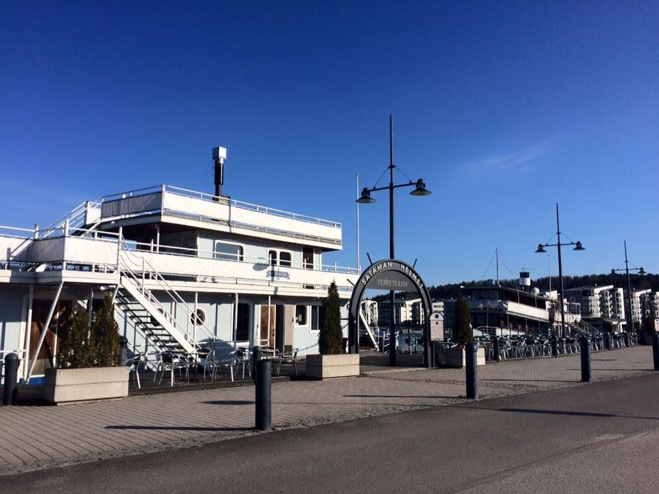 Lahti Harbour | Restaurant ship Kaunis Veera