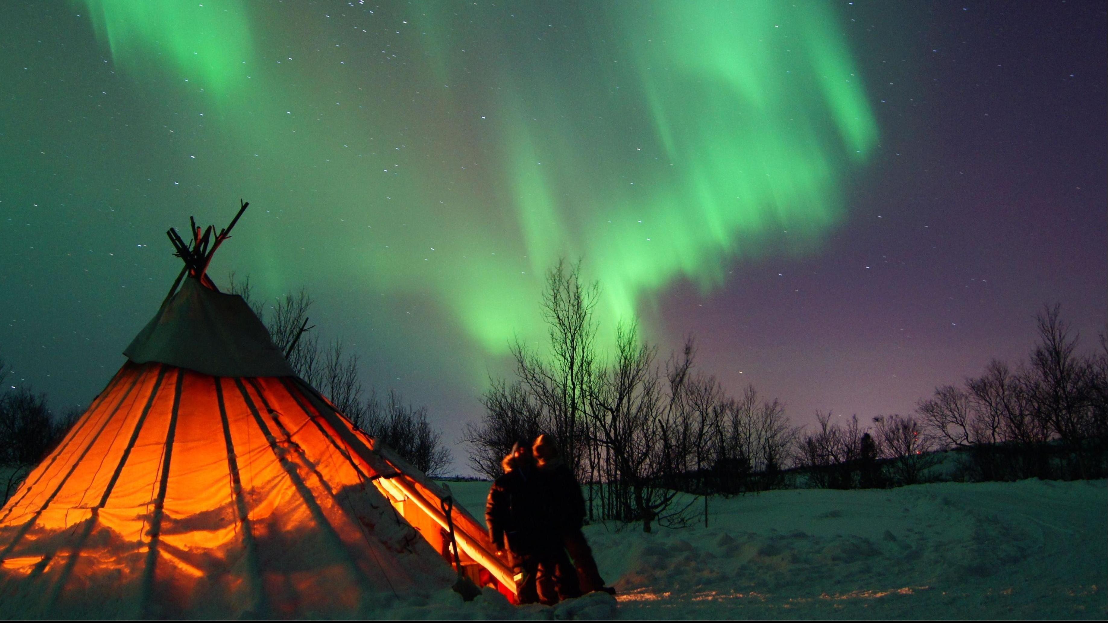 Northern Light Safari to the Borealis Camp