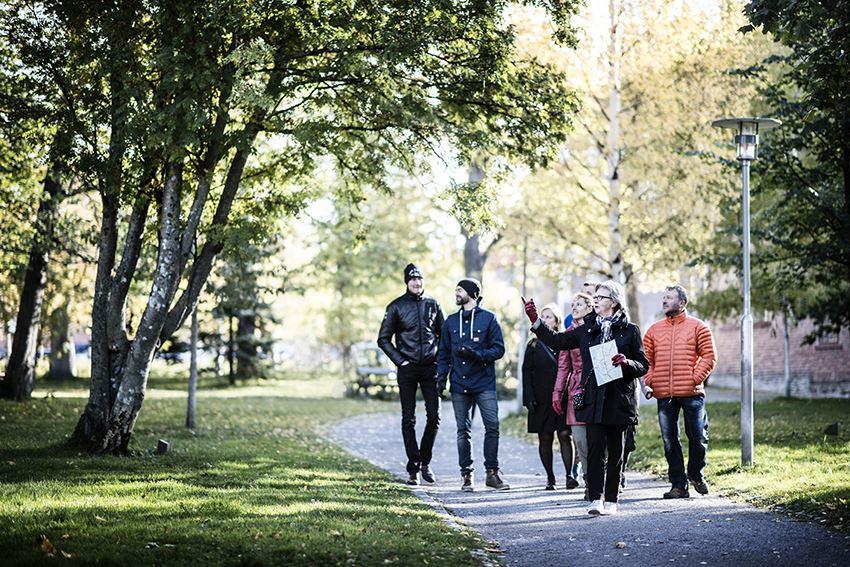 Foto: Sandra Lee Petersson,  © Copy: Visit Östersund, Stadsvandring genom Östersunds gator och gränder