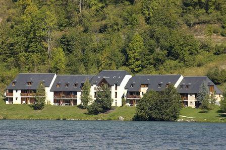 © Néméa, HPRT97 - Résidence de tourisme au bord du lac
