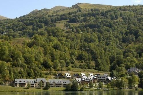 © HPTE, HPRT97 - Résidence de tourisme au bord du lac