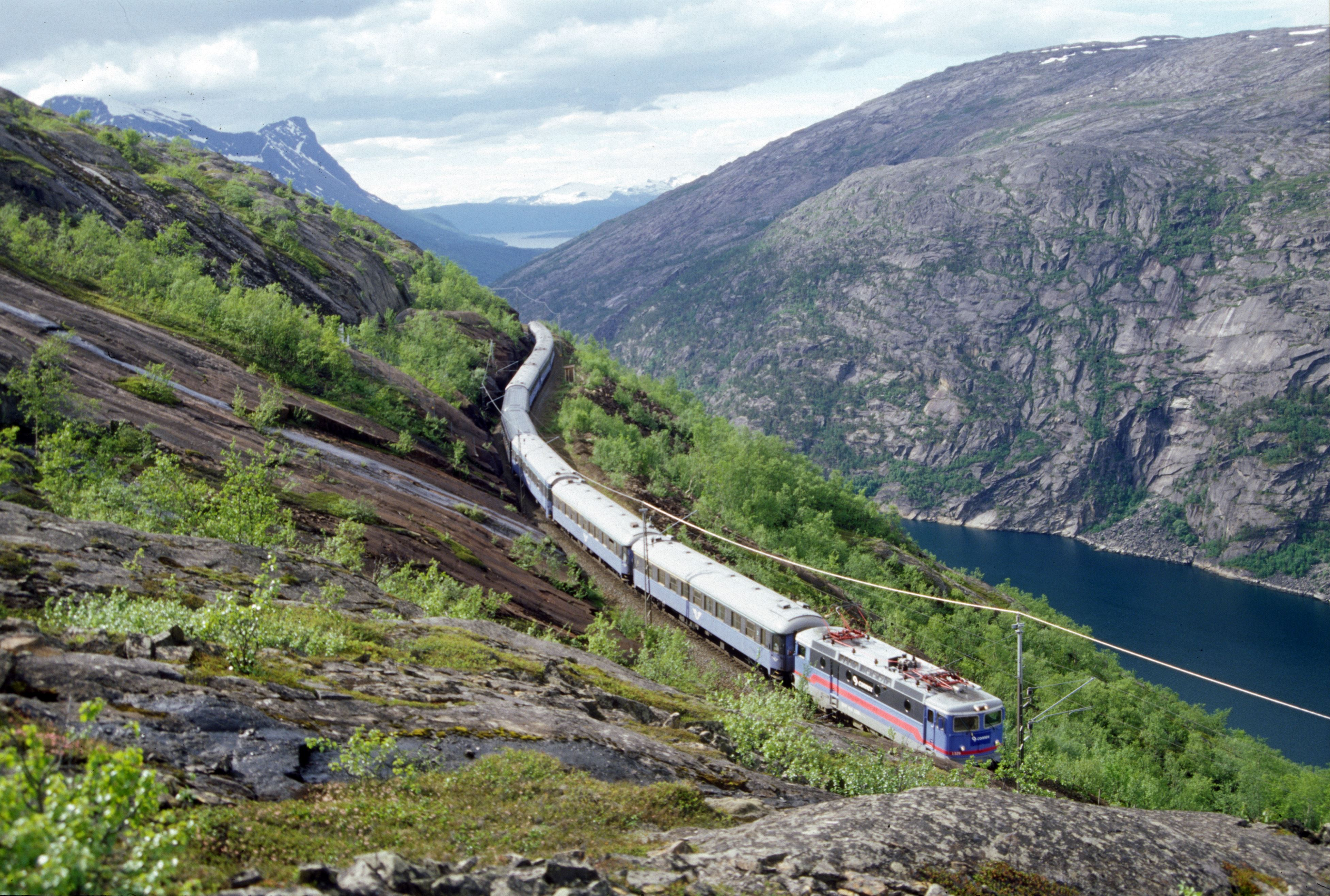 © Visit Narvik, Train in Rombaksbotn
