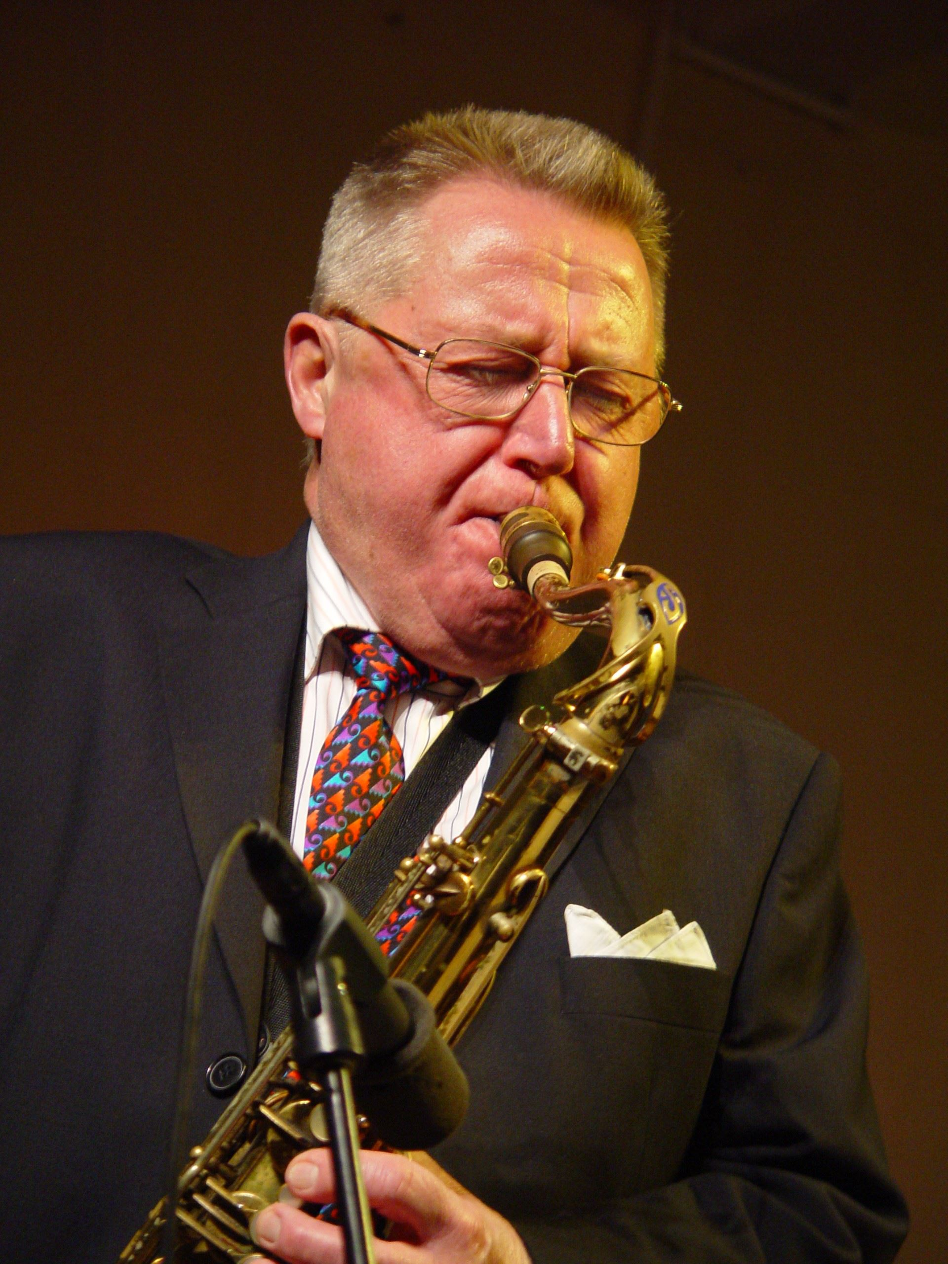Jazz by Hacke Björksten and his band at Pub Bastun
