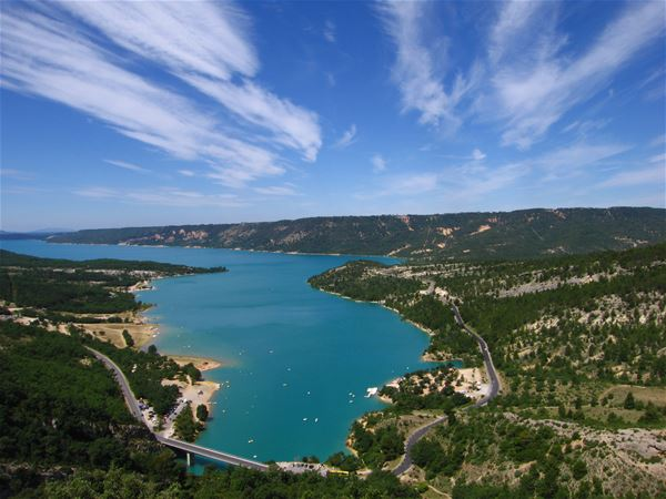 Océan de lavande et lac Ste Croix - L'ECHO DE PROVENCE