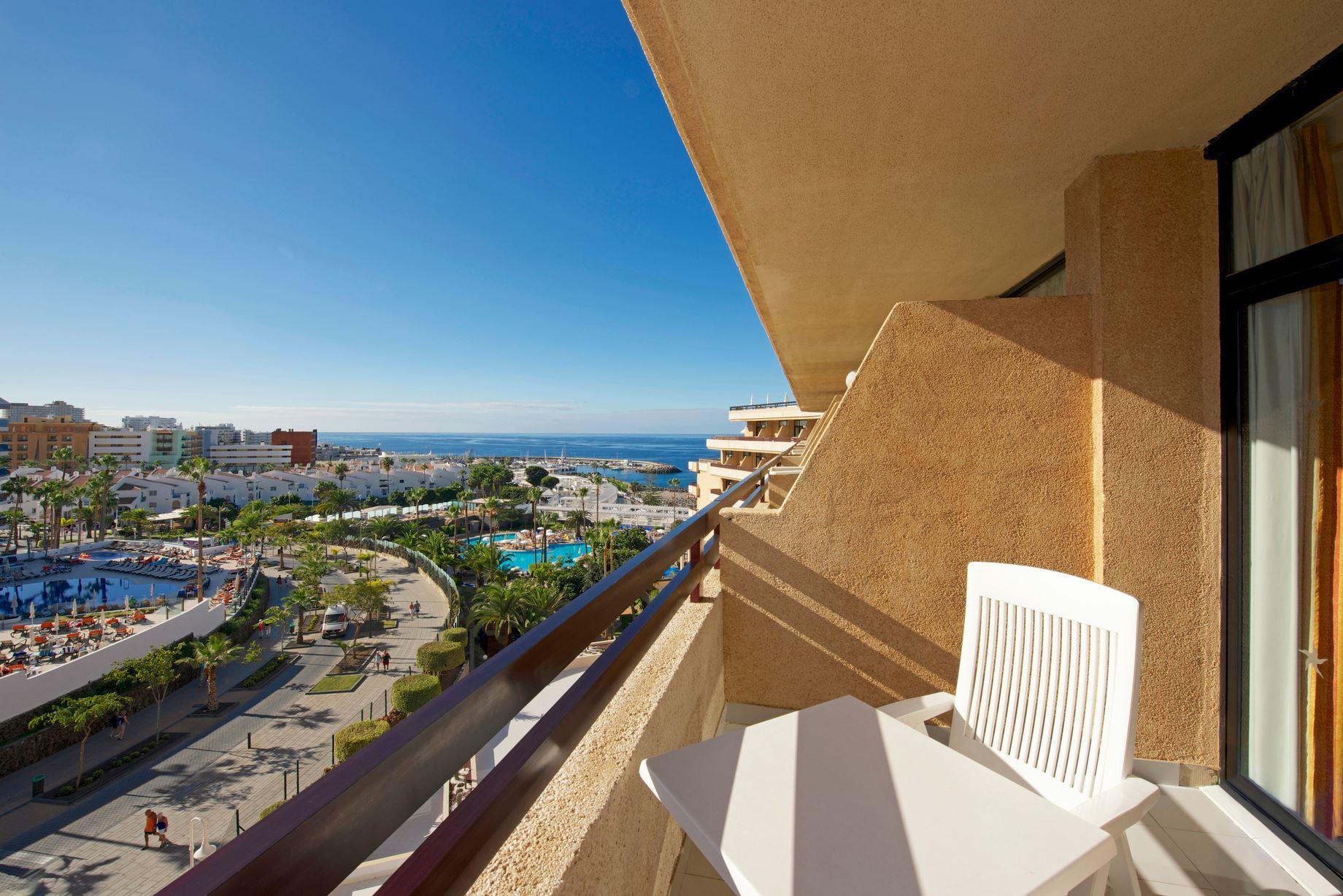 Utsikt från rum, Iberostar Torviscas Playa, Adeje, Teneriffa, Signaturresor
