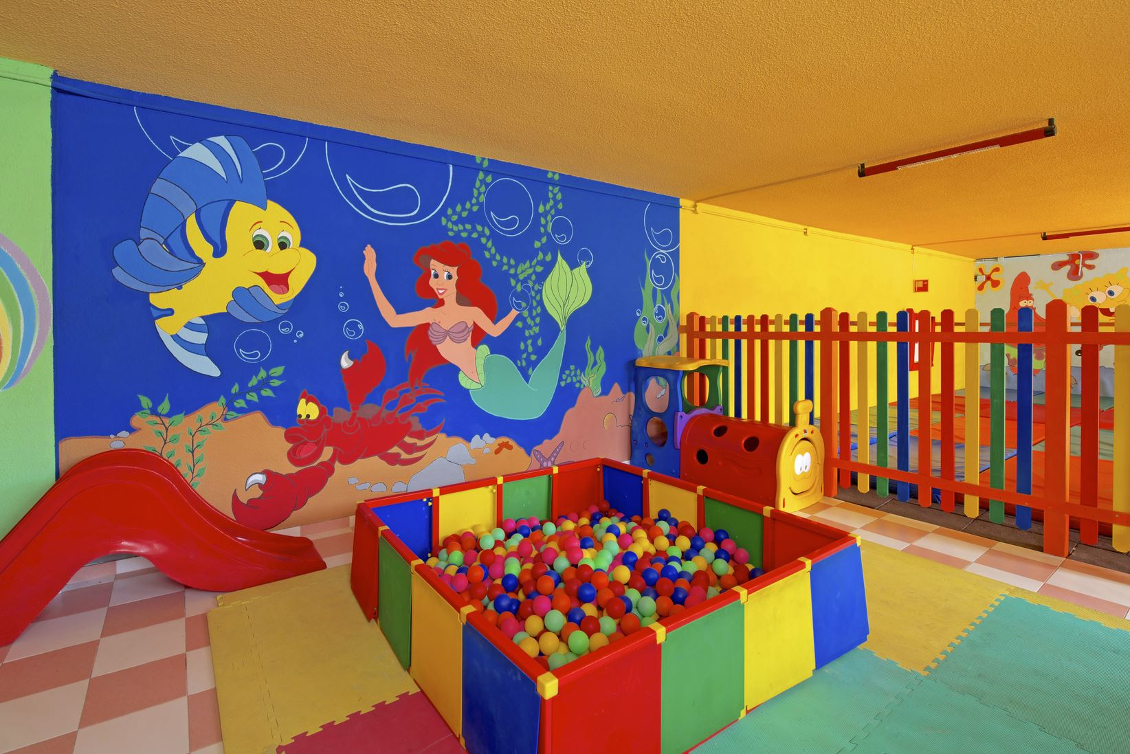 Barnklubb, Iberostar Bouganville Playa, Adeje, Teneriffa, Signaturresor