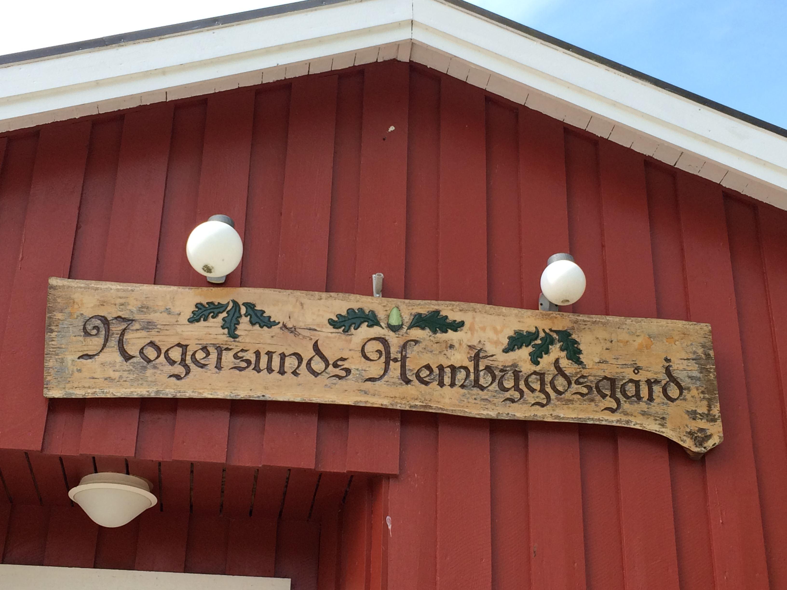 Skinkcafé med underhållning i Vita boden, Nogersunds hamn