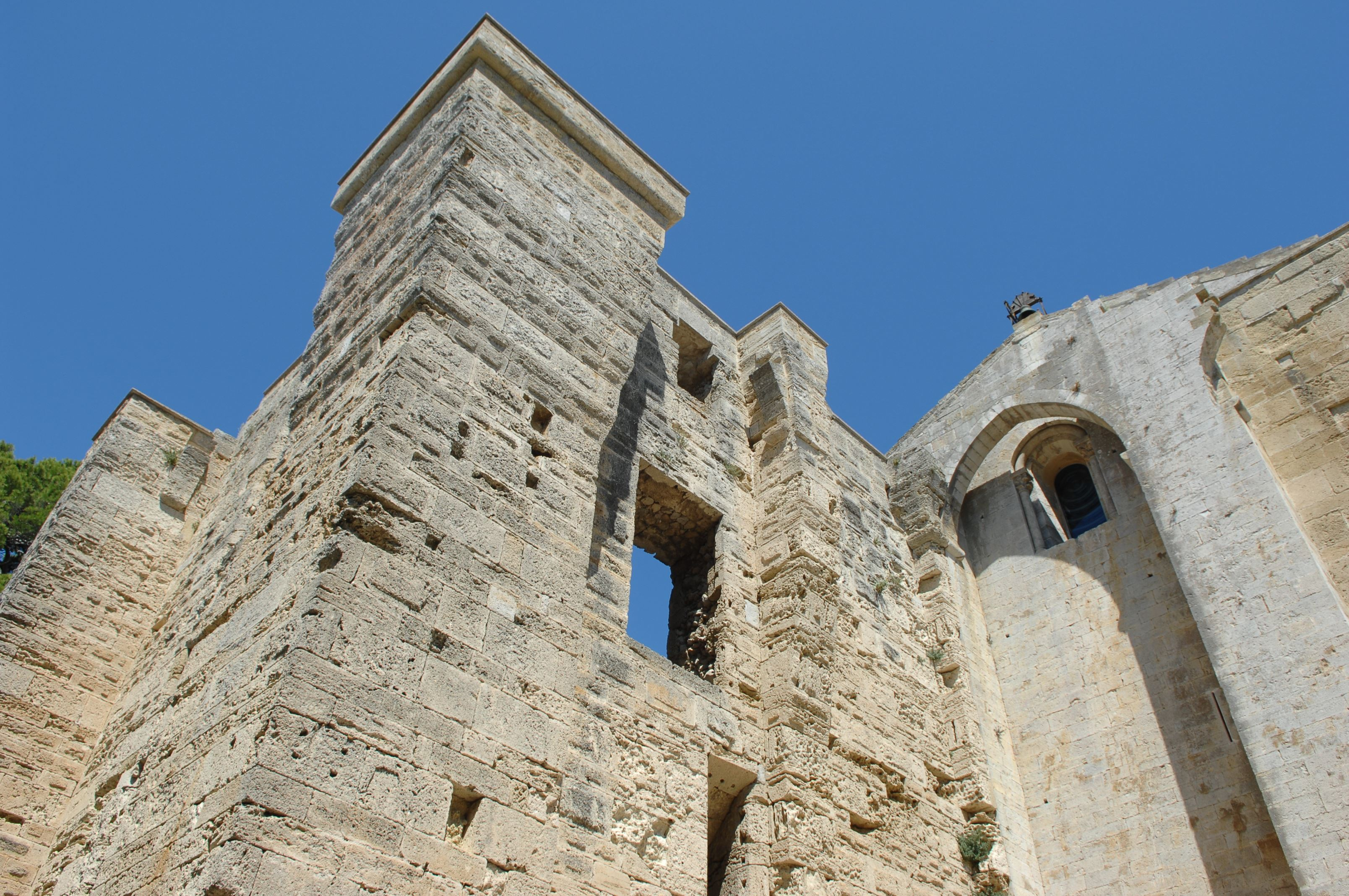 French guided tour - Villeneuve-lès-Maguelone, between land and sea