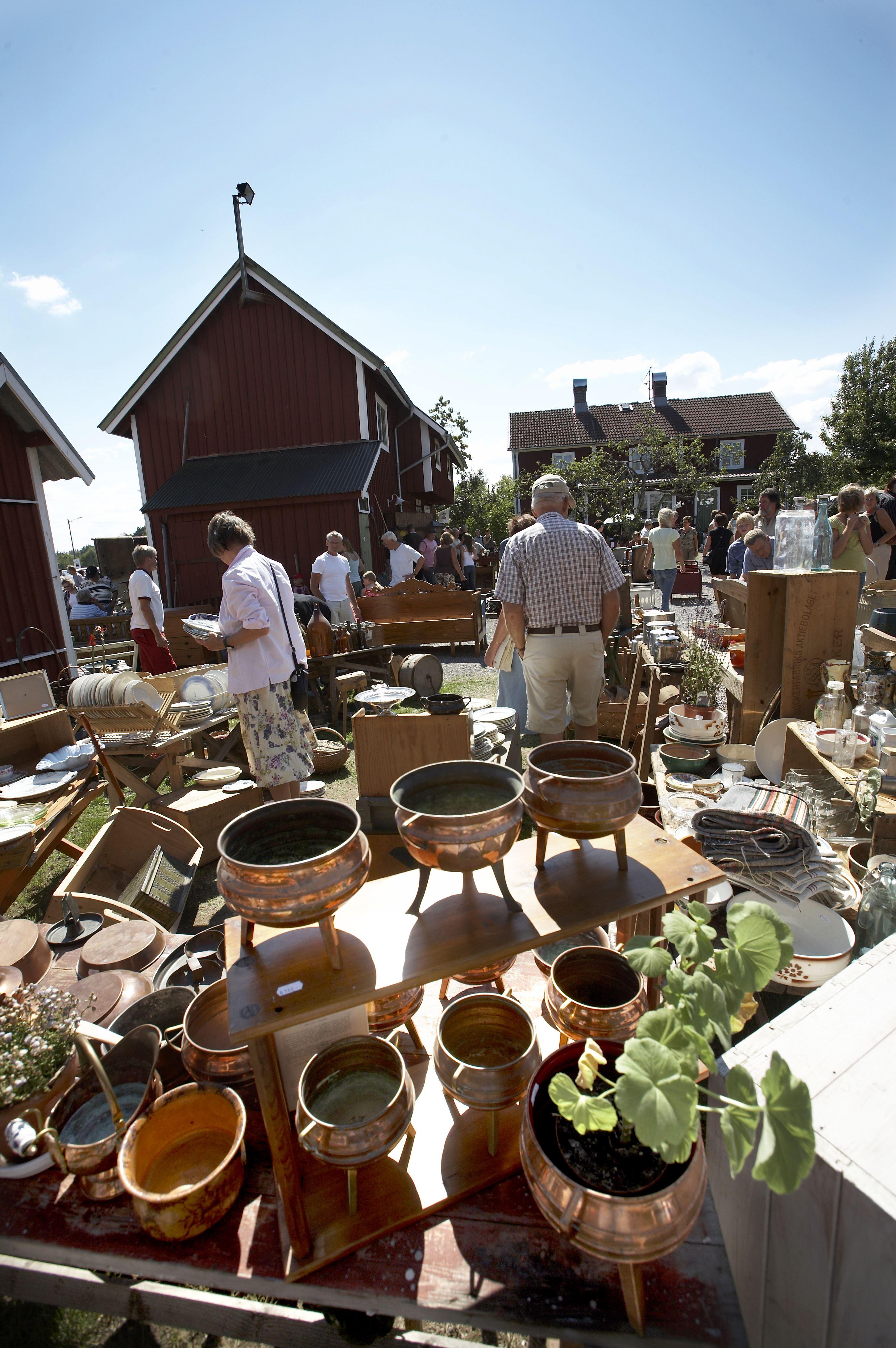 Östregårds antique and flea market
