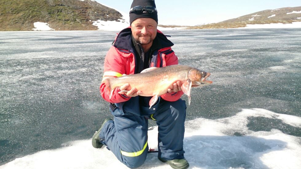 Exclusive ice fishing & summer fishing with Stig Strand