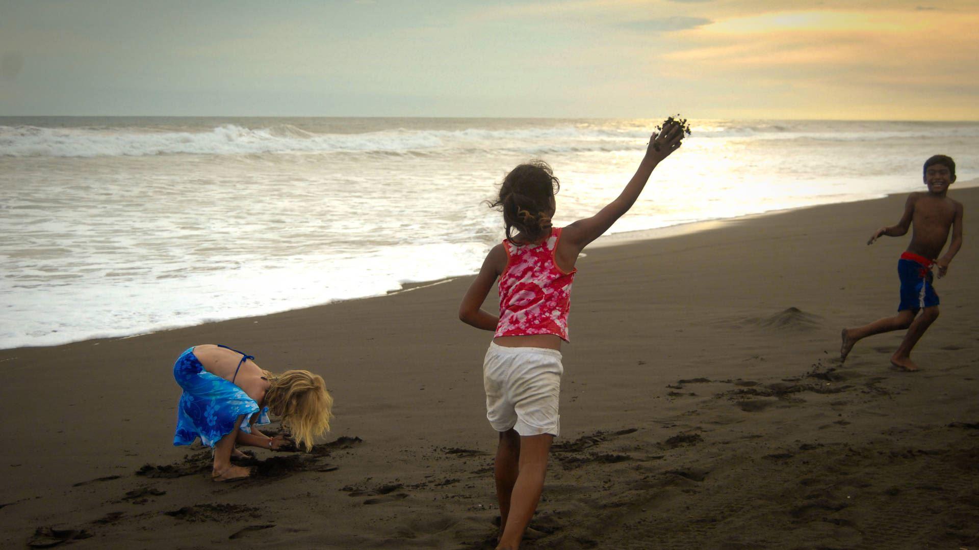 """Playa """"Cuyutlán"""""""