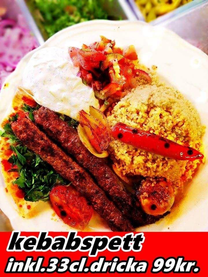 Här ser vi den mellanöstern-inspirerade kebabspetten med bulgur.