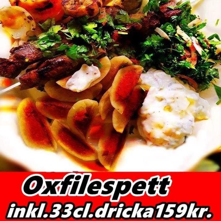 För endast 159kr får du oxfilé med pommes, bulgur, ris eller potatis, tzatsiki, och grillade grönsaker inklusive en dricka. Välkommen in!