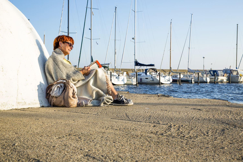 Jenny Brandt, Njut av en skön stund i Abbekås hamn