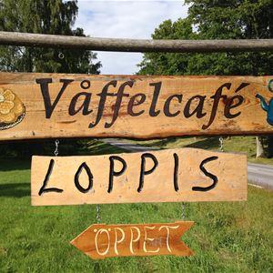 Våffelcafé och loppis på Skatelövs hembygdsgård Rosenlund