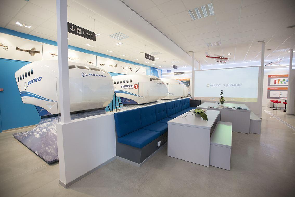 Marte Antonsen, Book your flight now! - Newton Flight Academy