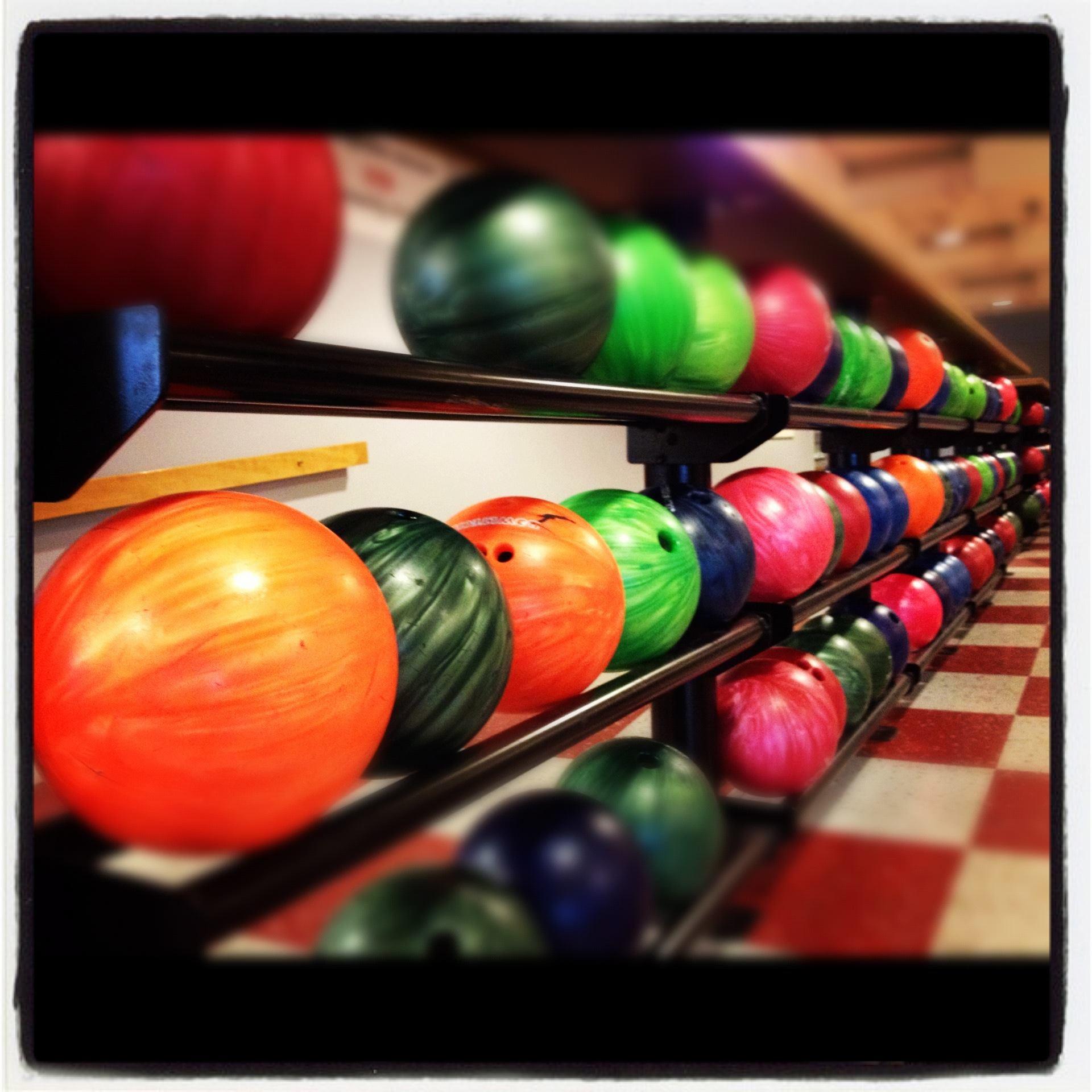 Emmaboda bowling, mat och nöje