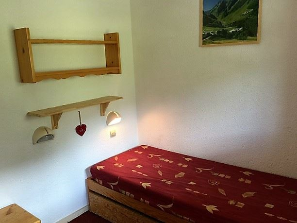 2 Rooms 4 Pers ski-in ski-out / OREE DES PISTES 10