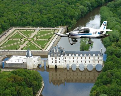 LES AILES TOURANGELLES - BY AIR WITH AN AIRCRAFT DR400
