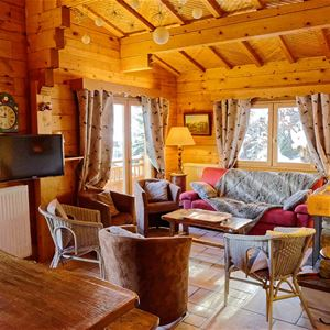 6 rooms 10 people / CHALET LES CHENUS (mountain of charm)