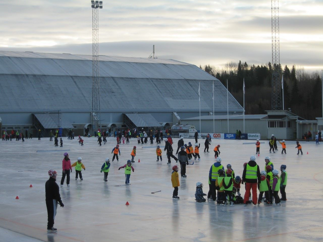 Skridskoåkning Gärdehov och Sundsvall med omnejd