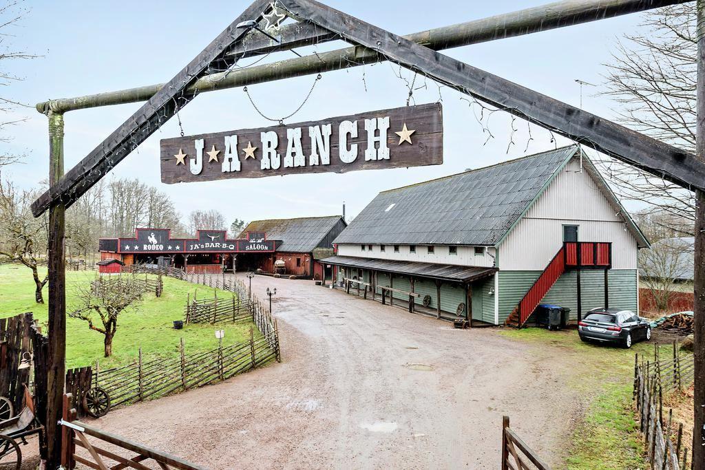 JA Ranch & Lodging