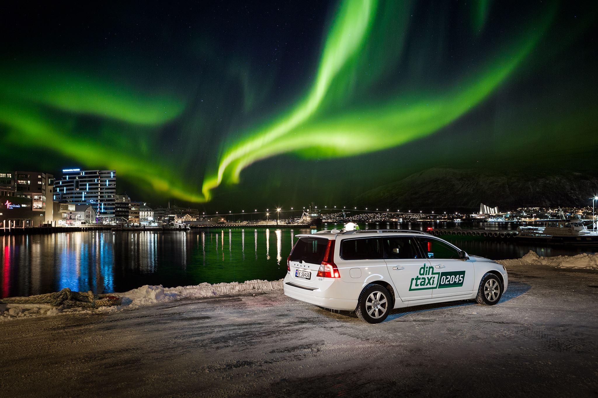 Nordlysjakt med taxi – Din Taxi
