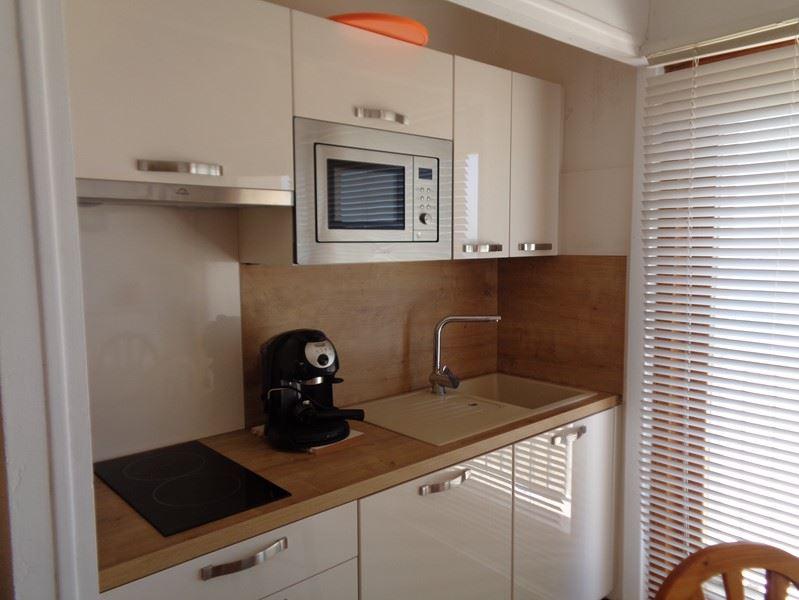 0352 - Studio - résidence des iles - AGENCE LAVANDOU IMMOBILIER