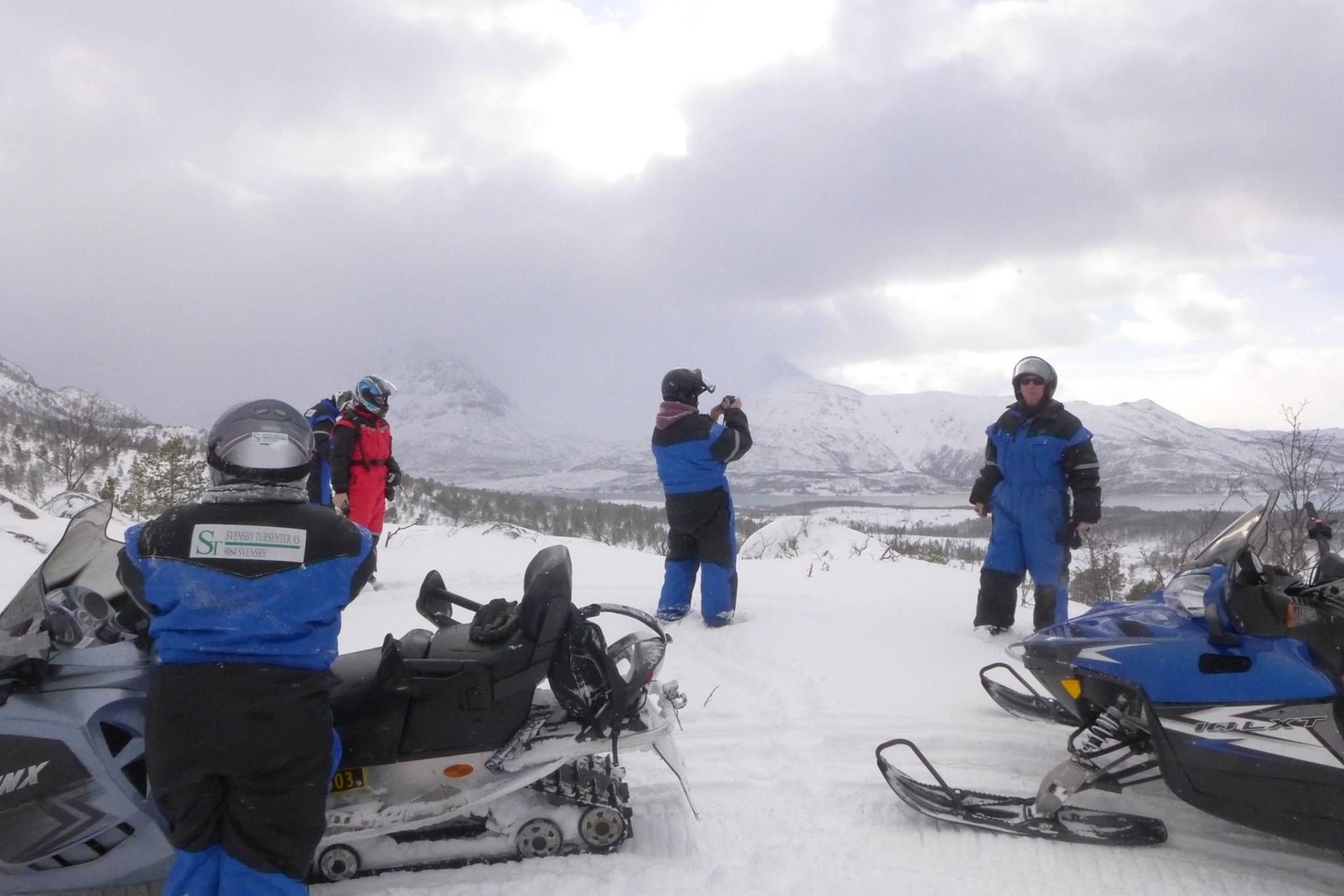 Snowmobilesafari in the LyngenAlps