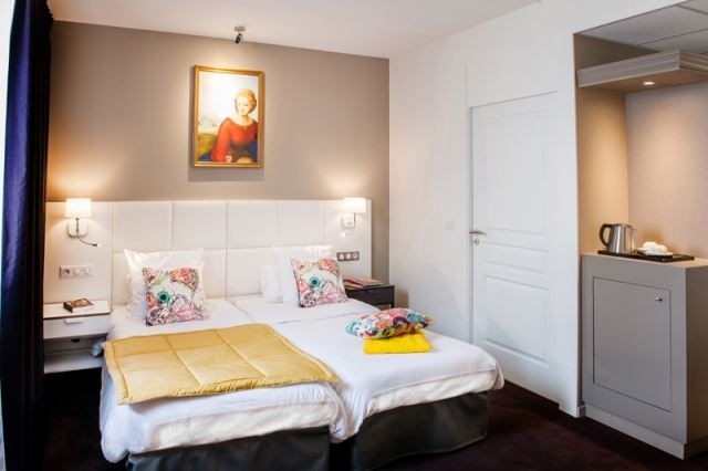 HPH127 - Hôtel historique à l'entrée du Sanctuaire à Lourdes