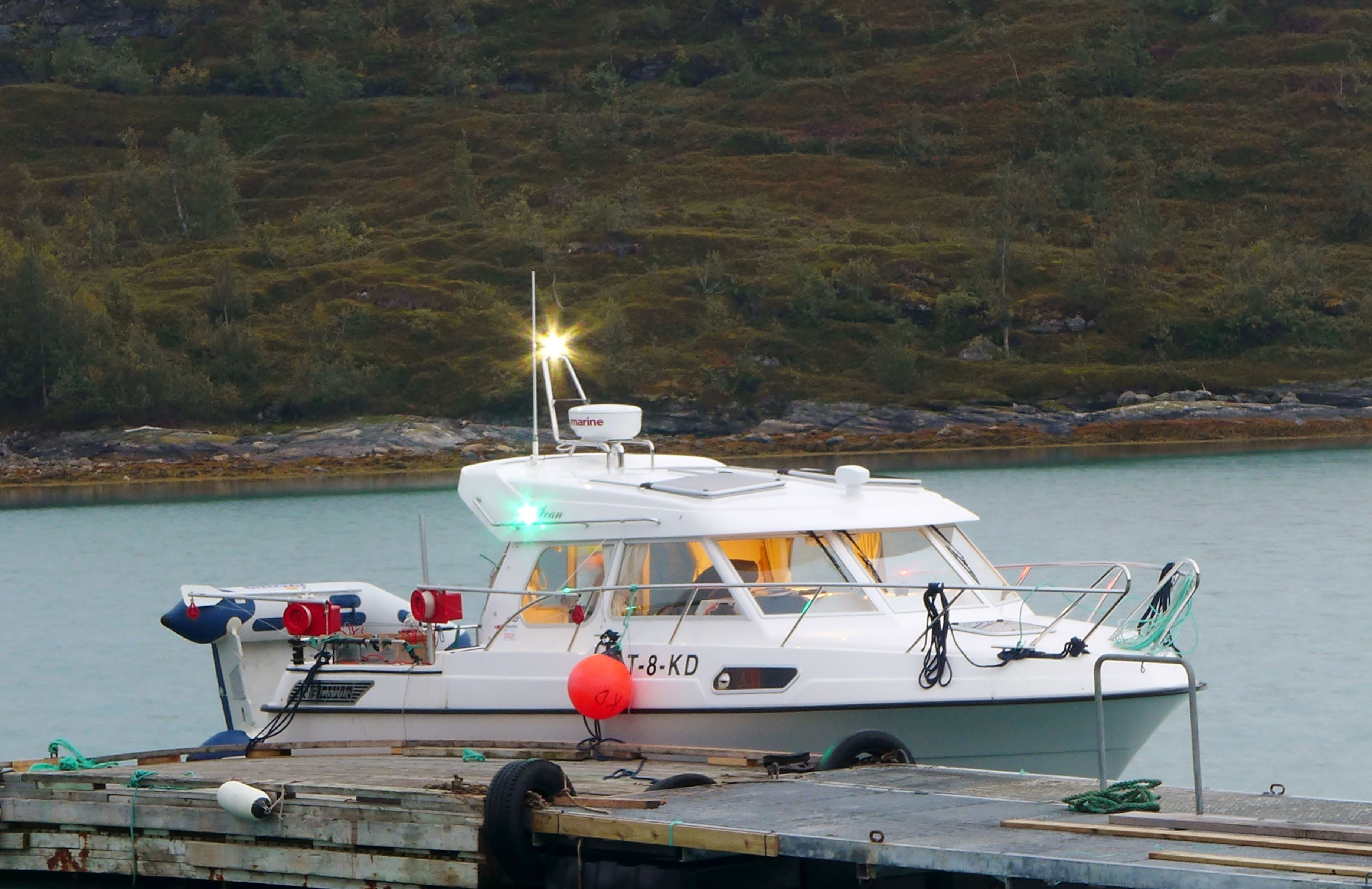 © visit-lyngenfjord.com, Experience the Arctic Coast - Overnight Boattrip