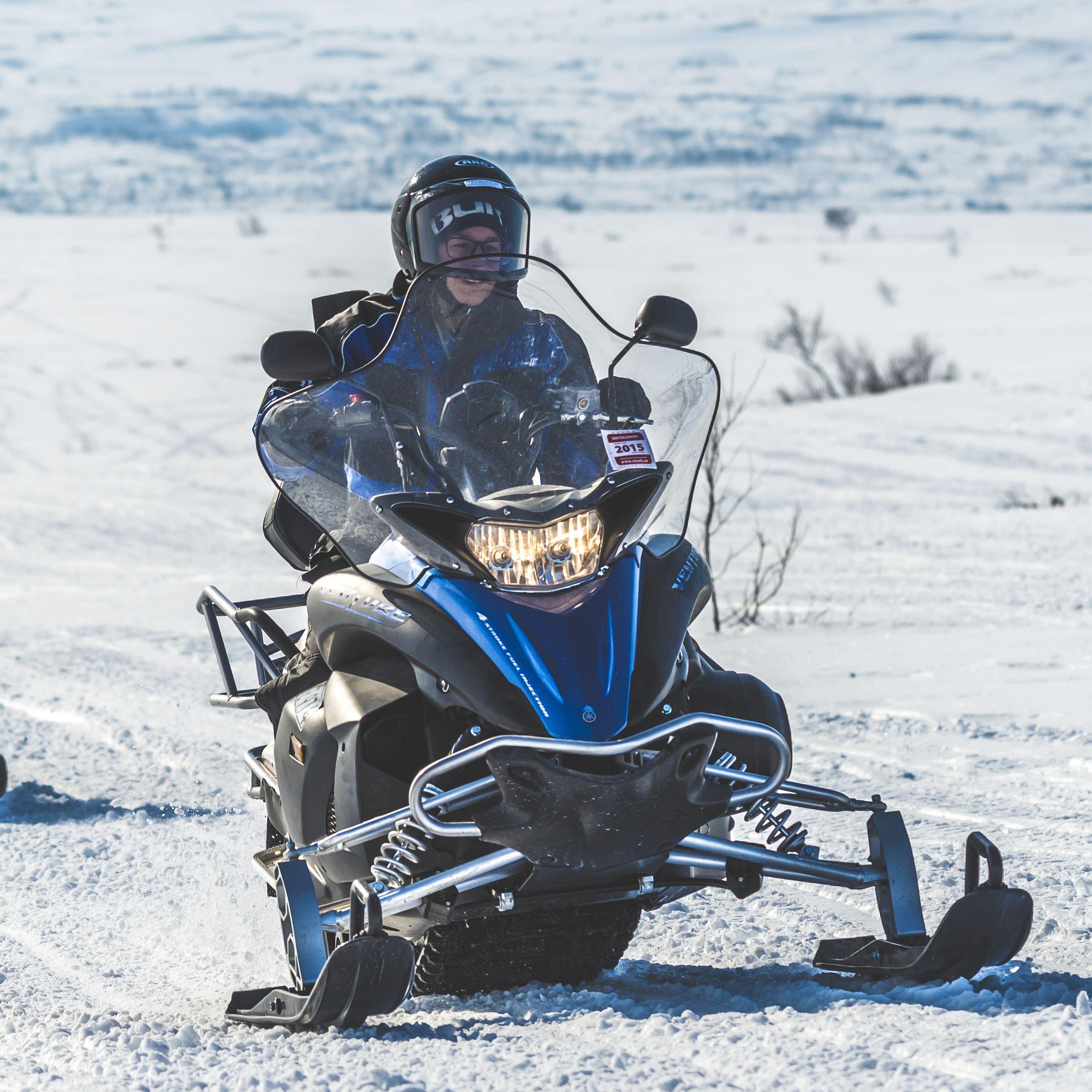 Rent a snowmobile in Storlien