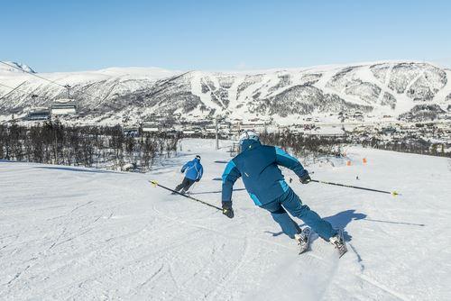 Vegard Breie, Ski pass