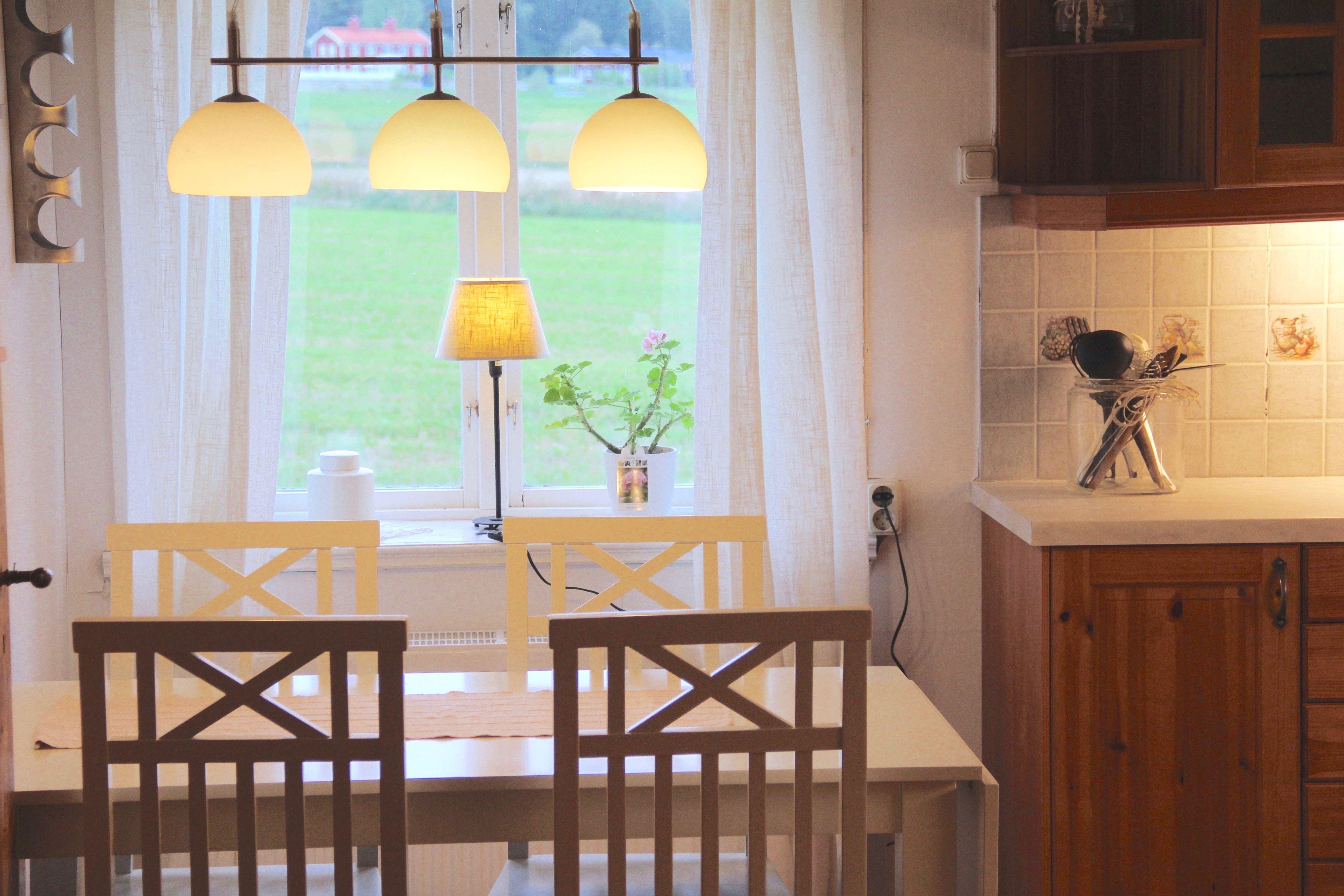 Lägenhet på hälsingegård i Högs-Frölland