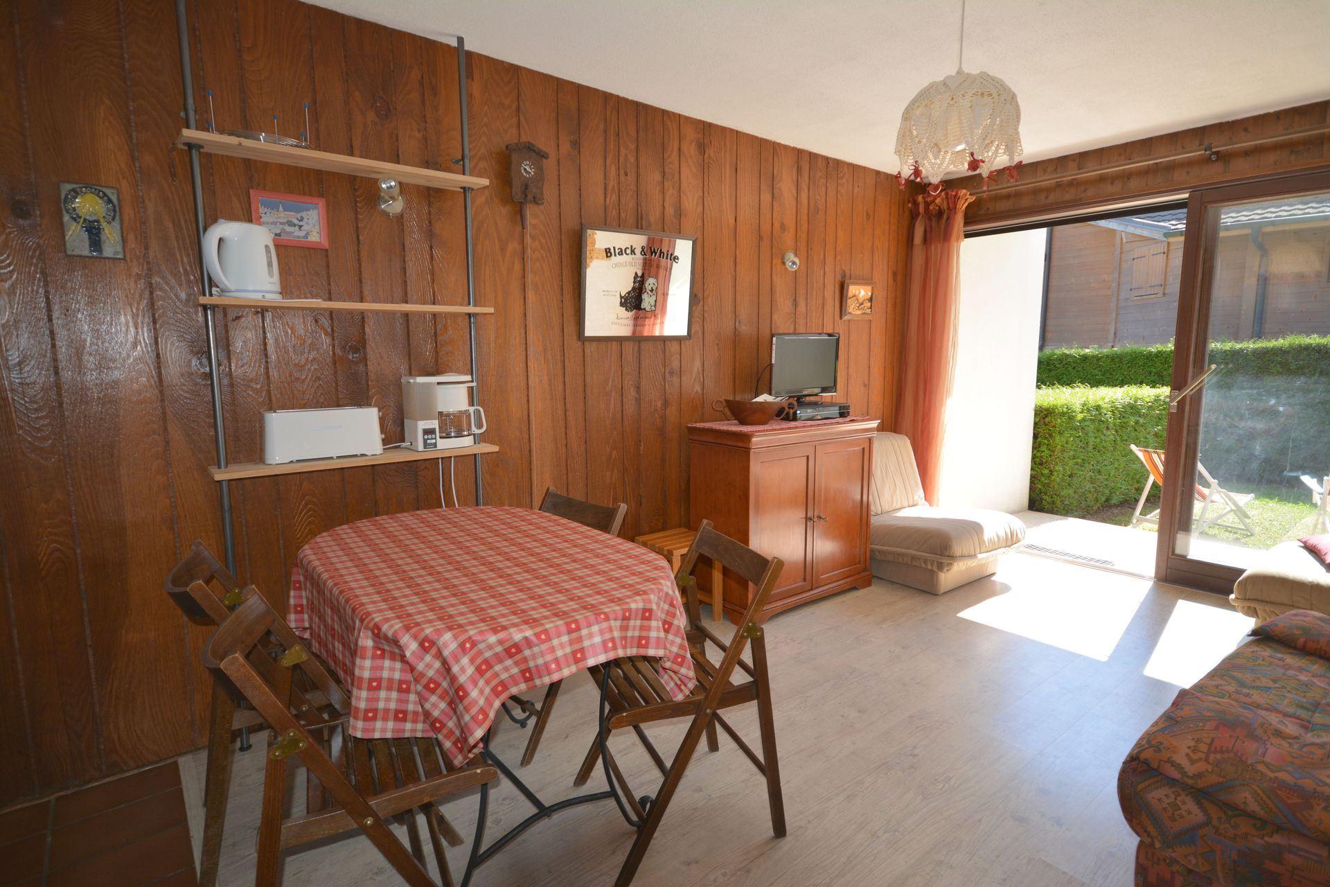 Benevy - AO 2004 - 1 pièce + cabine - 4 personnes - 30m²