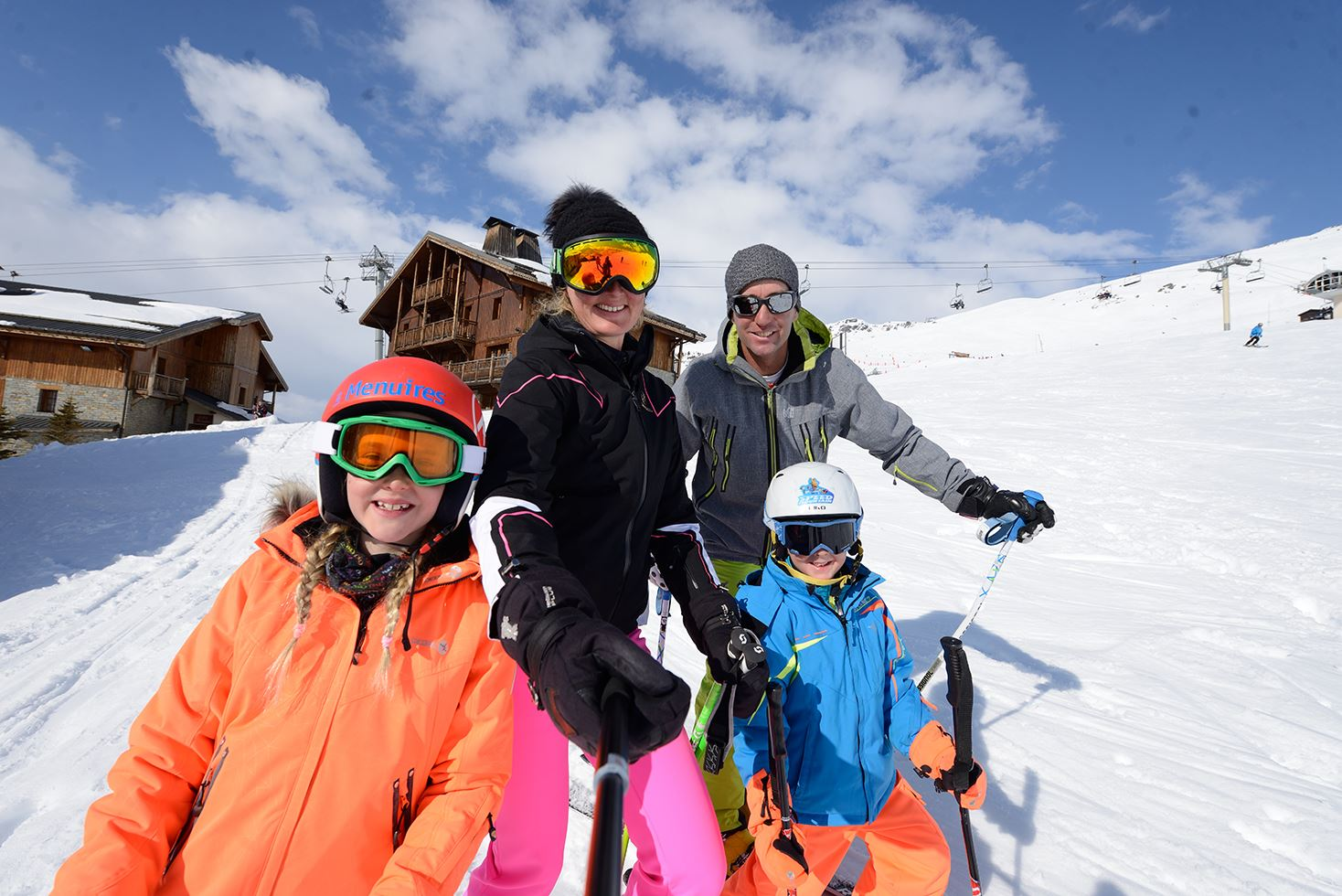 Family Pass: child price for all of you (2 adults + minimum2 children 5-17 years) - (Les 3 vallées extra cost next step), click here to know the periods of validity