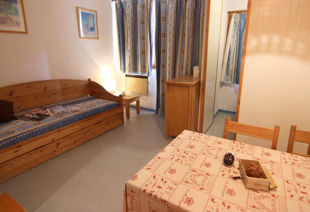 ZENITH 300032 / 1 room 3 people