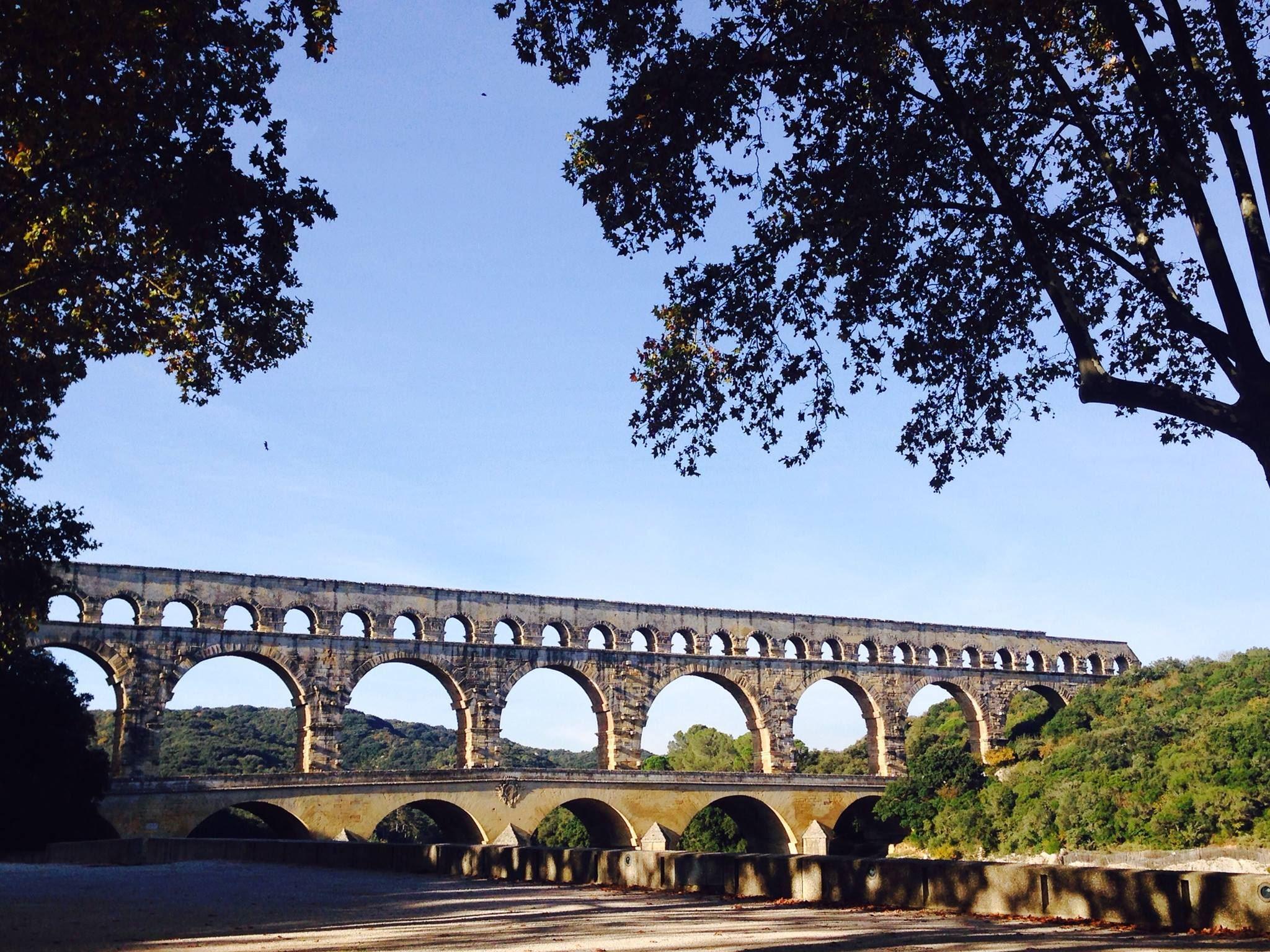 Pont du Gard/Arles/Les Baux de Provence(stop at A.O.C olive oil mill)/St Rémy de Provence+market