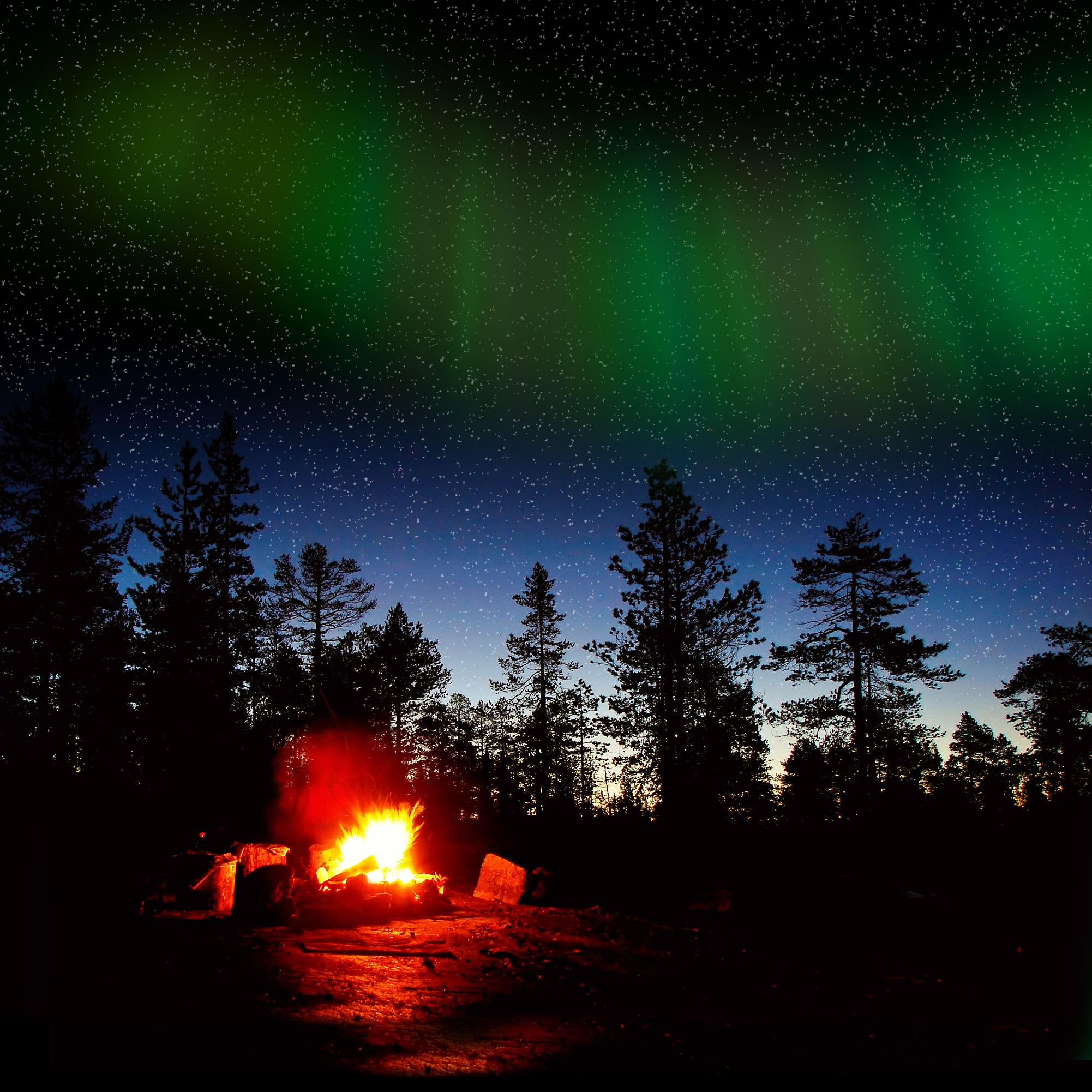 Magic hiking in the polar night