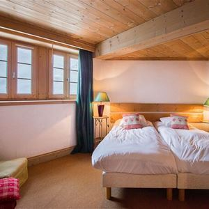 5 rooms 6 adults and 2 children / CHALET ARGIA (mountain of charm) / Tranquillity Booking