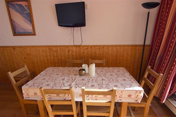 TROIS VALLEES 905 / APARTMENT 2 ROOMS CABIN 6 PERSONS - 2 SILVER SNOWFLAKES - VTI