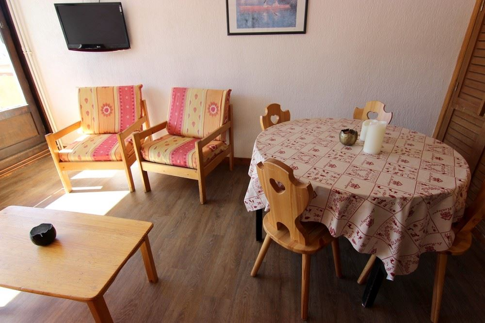 ROC DE PECLET 17 / 2 ROOMS 6 PEOPLE TYPE A COMFORT