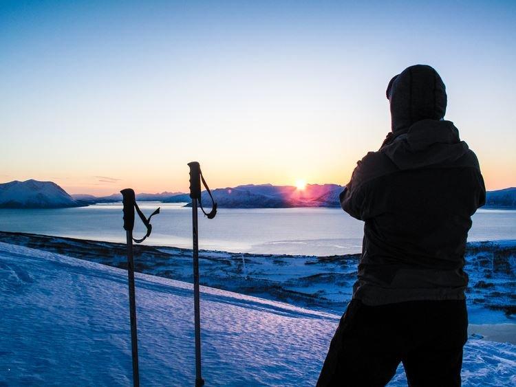 2 days in the amazing Lyngen Alps with winter activities