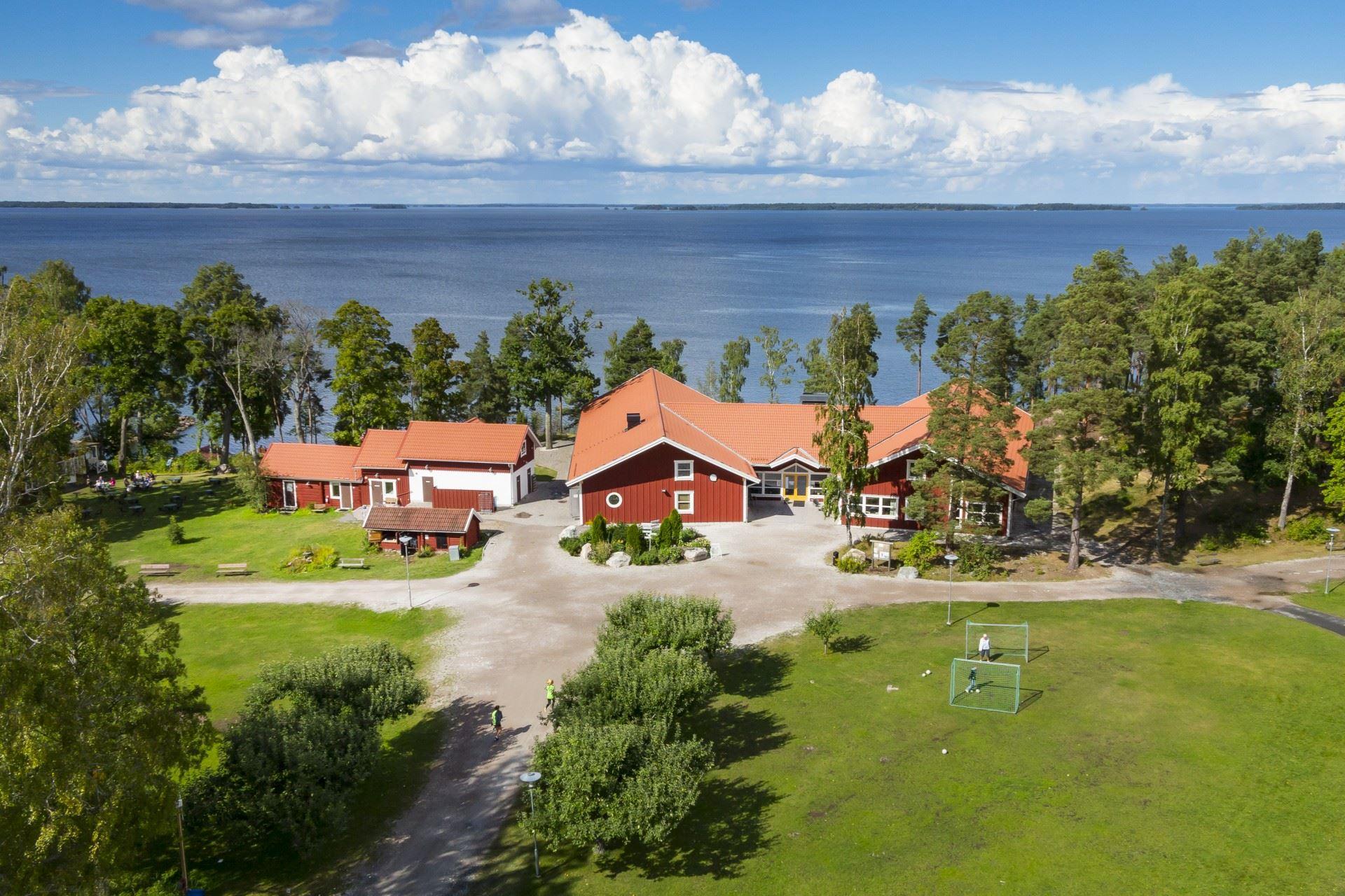 Hjälmargården & Läppe Camping/Hostel