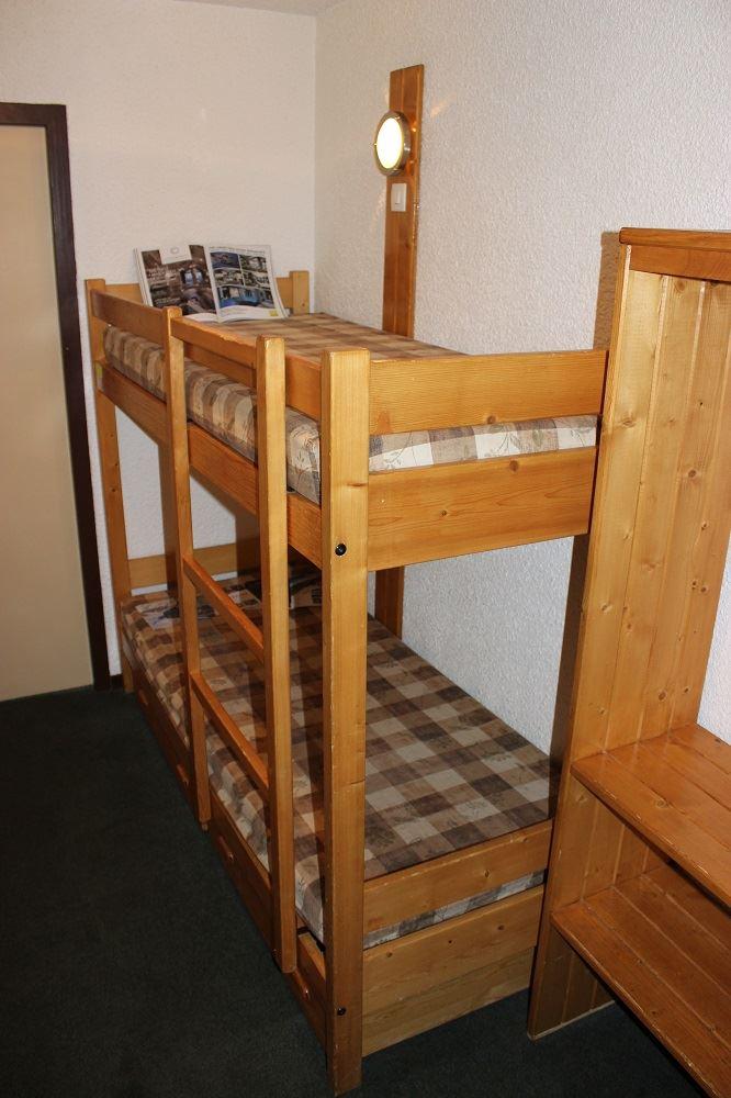 SCHUSS 406 / STUDIO 4 PEOPLE COMFORT