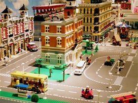 Sveriges Järnvägsmuseum,  © Sveriges Järnvägsmuseum, Lego-utställningen visar bland annat olika sätt att resa